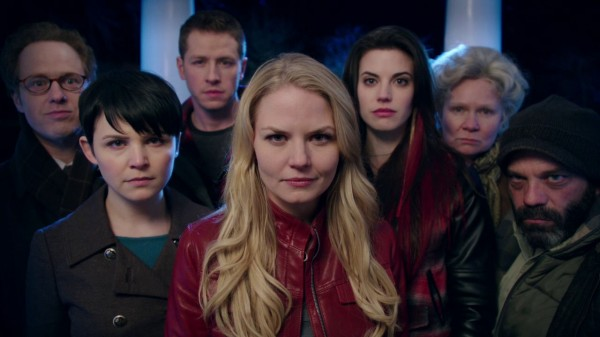 Creepy Storybrooke revolters (An Apple Red as Blood-s01e21)