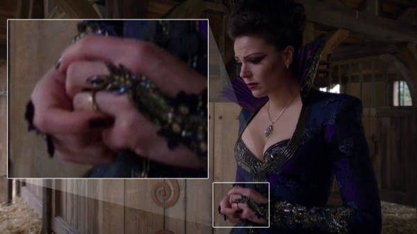 Evil Queen wearing Daniel's ring (An Apple Red as Blood-s01e21)
