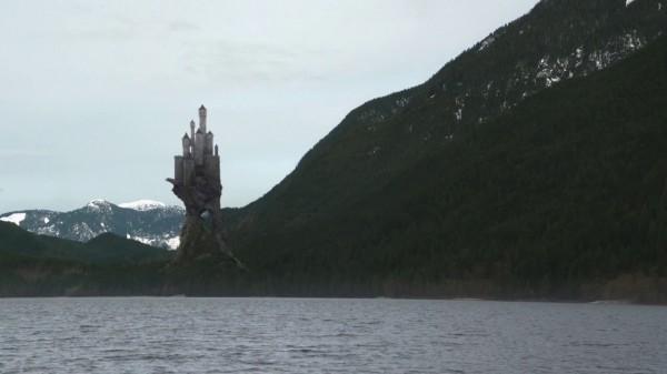 Maleficent's Castle (A Land Without Magic-s01e22)