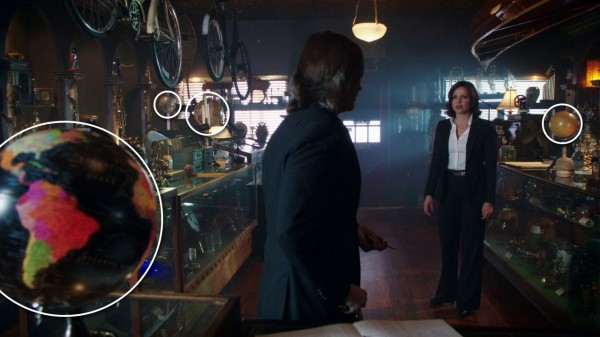 Mr. Gold's many globes (An Apple Red as Blood-s01e21)