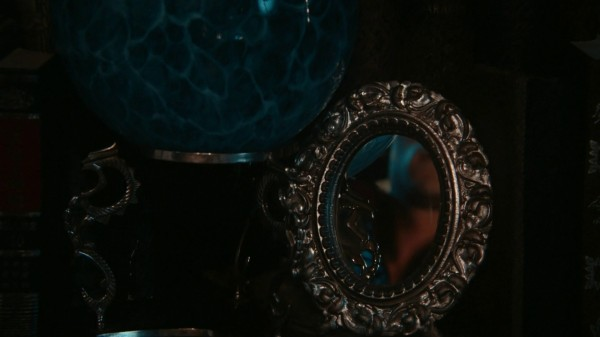 The looking glass in Maleficent's castle (1x03 Forget Me Not)