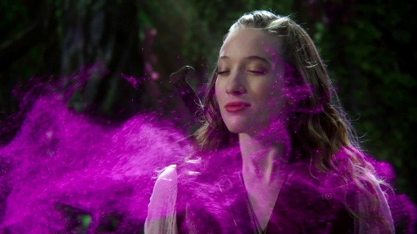 Once Upon a Time in Wonderland Podcast 1x06 Who's Alice - Alice in the Boro Grove Smelling the Fumes