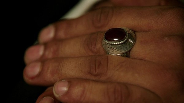 1x07 Bad Blood Jafar's Ring