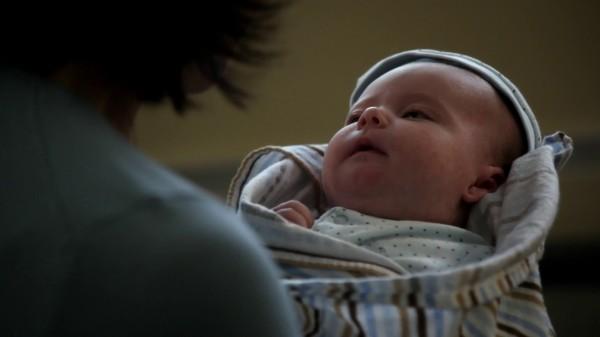 3x09 Save Henry - Regina Holding Baby Henry