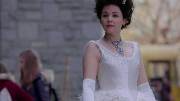 Mary Margaret as Snow (3x11 Going Home)