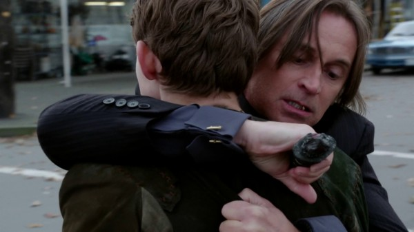 Rumple stabs Pan (3x11 Going Home)