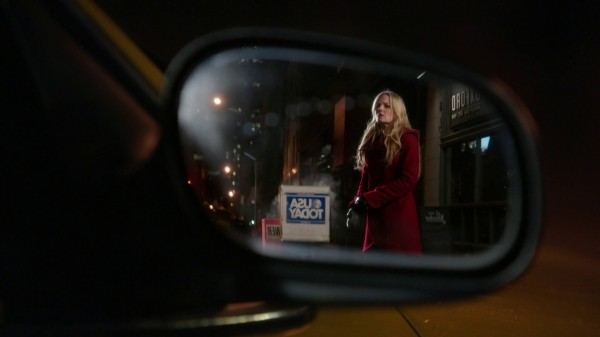 Emma in the rearview mirror (3x12 New York City Serenade)