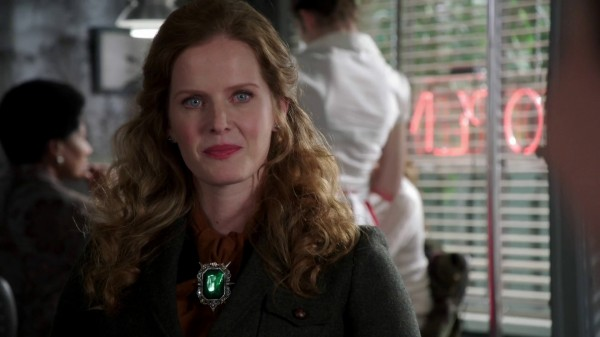 Zelena Meets Snow for the First Time - 3x13 Witch Hunt