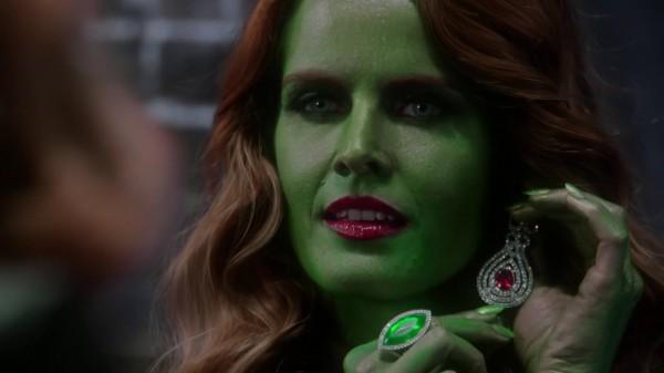 Zelena Trying On Regina's Jewels - 3x13 Witch Hunt