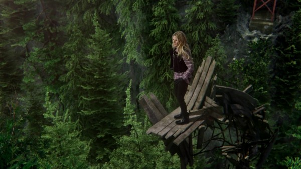 Emma Saving The Bridge - 3x17 The Jolly Roger