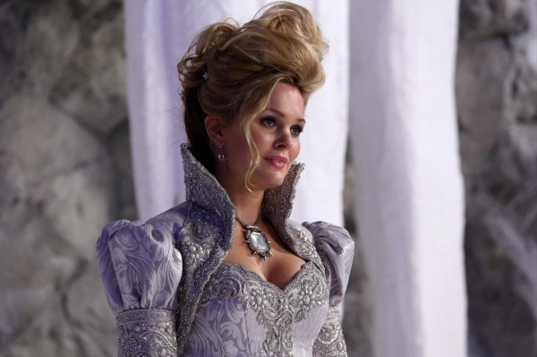 Glinda the Good - Once Upon a Time podcast 3x20 A Curious Thing