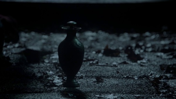 Jafar the Genie Bottle - 1x13 And They Lived