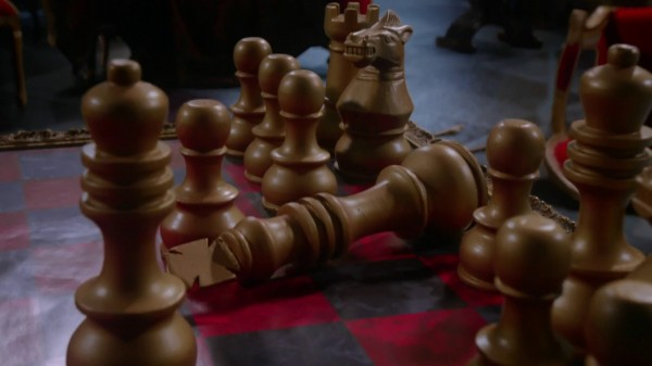 King Chess Piece Fell - 1x13 And They Lived Once Upon a Time in Wonderland Podcast