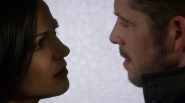 Regina and Robin Hood (3x19 A Curious Thing)