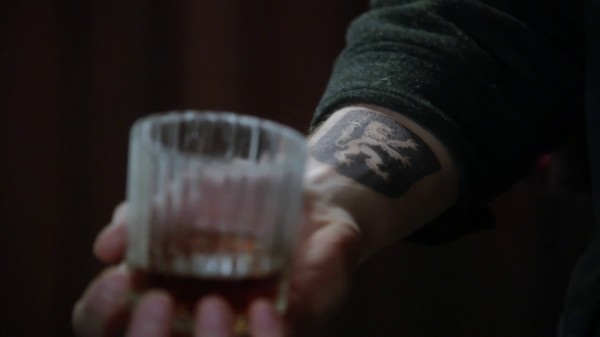 Robin's lion tattoo (3x15 Quiet Minds)