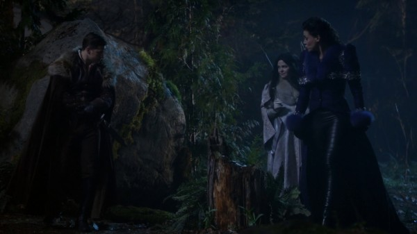 Snow and Charming 3x19 A Curious Thing