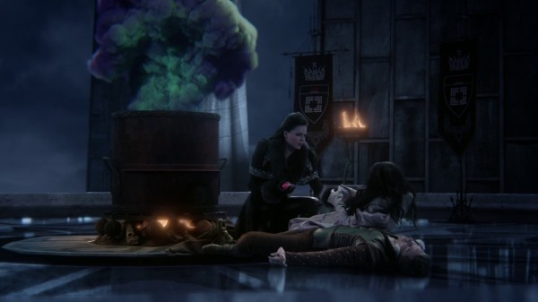 Snow asked Regina to split her heart in two (3x19 A Curious Thing)