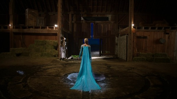 Queen Elsa - 3x22 There's No Place Like Home