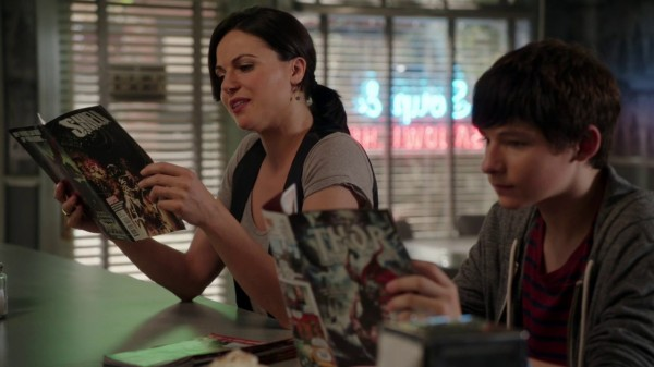 Once Upon a Time 4x03 Rocky Road - Regina and Henry Reading Shield and Thor Comics