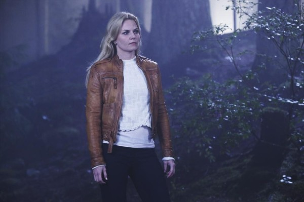 Once Upon a Time podcast 4x05 Breaking Glass - Emma Swan in the woods