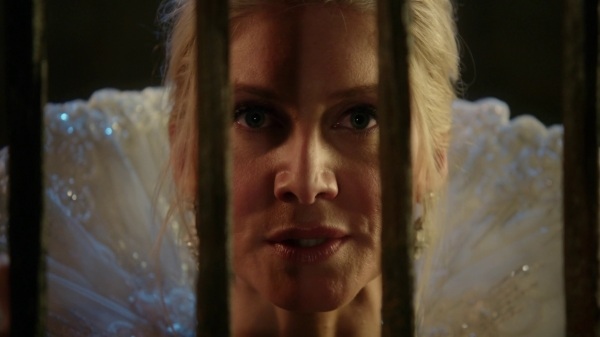 Once Upon a Time podcast 4x06 Family Business - Ingrid Snow Queen talking to Anna