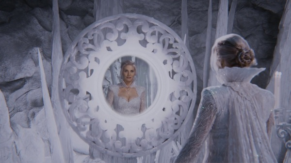 Once Upon a Time 4x06 Family Business - Snow Queen looking at herself in the mirror