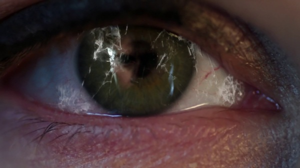 Once Upon a Time 4x09 Fall - David's reflection in Snow's eye