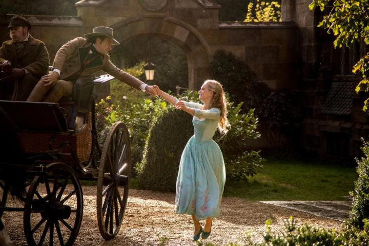 Cinderella says goodbye to father 2015 movie review