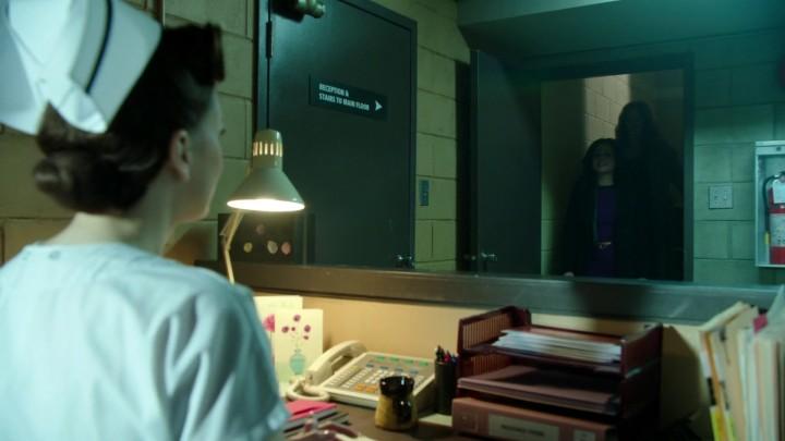 Once Upon a Time 4x21 Mother - Regina bringing Zelena to hospital basement
