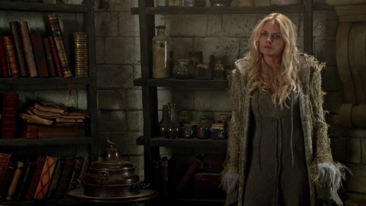 Once Upon a Time 5x02 The Price - Emma and Regina in the tower at Camelot