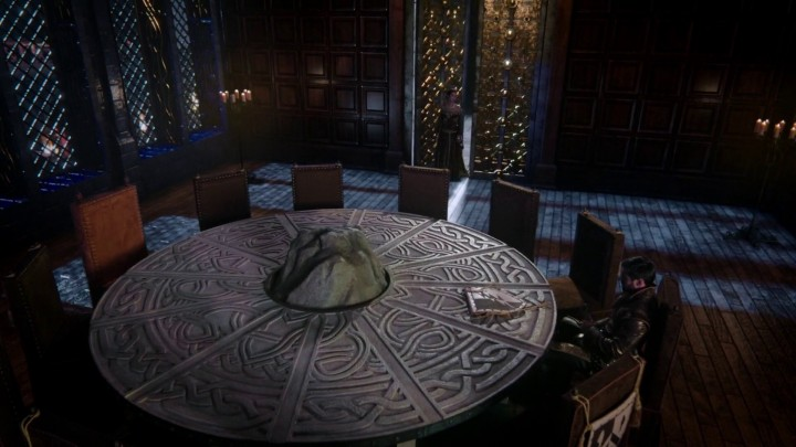 Once Upon a Time 5x02 The Price - King Arthur round table in Camelot