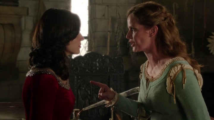 Once Upon a Time 5x03 Siege Perilous - Regina and Zelena talking in Merlin's tower