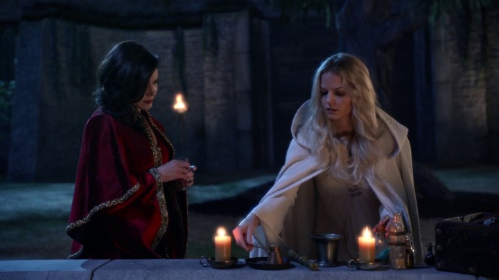 Once Upon a Time 5x05 Dreamcatcher - Regina and Emma cooking potions and freeing Merlin