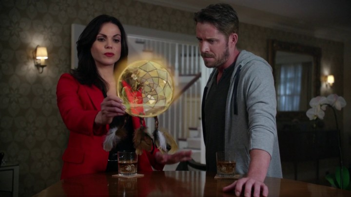 Regina and Robin hack the Dreamcatcher-Once Upon a Time podcast