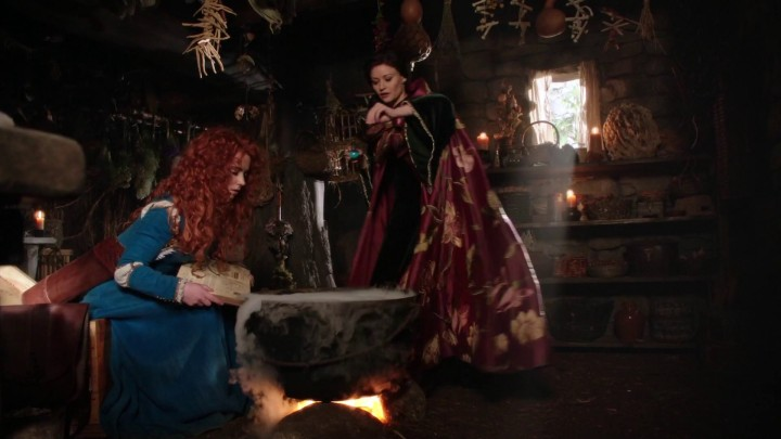 Once Upon a Time podcast 5x06 The Bear and the Bow - Merida and Belle making potions inside the Witch's hut