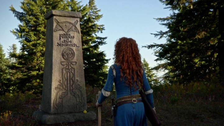 Once Upon a Time 5x09 The Bear King - Merida talking to King Fergus Grave