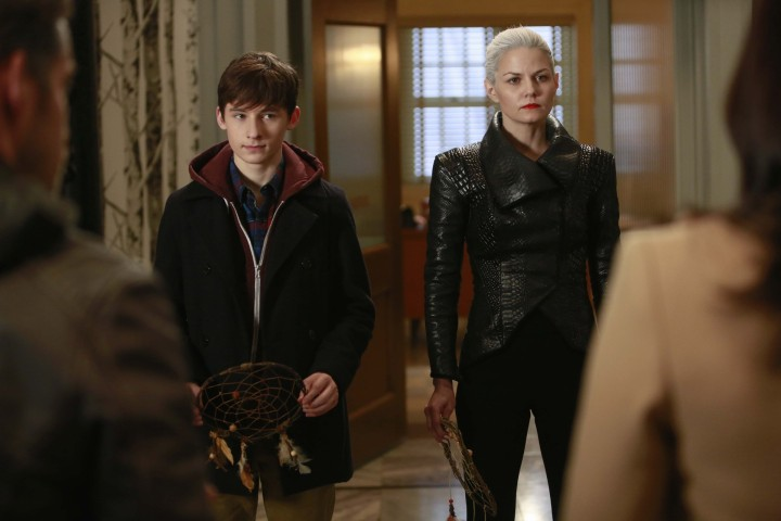 Once Upon a Time podcast 5x10 Broken Heart - Emma returns their memories