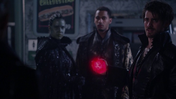 Once Upon a Time 5x10 Broken Heart - Dark One Hook holds Merlin's heart before crushing it