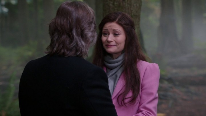 Once Upon a Time 5x10 Broken Heart - Rumplestiltskin and Belle talking in the well after his duel with Dark One Hook