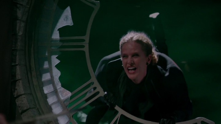 Once Upon a Time 5x11 Swan Song - Regina sends Zelena back to Oz in a twister using Apprentice wand