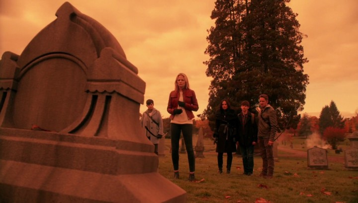 Once Upon a Time 5x12 Souls of the Departed - Emma summons Hook using Ale of Seonaidh from Dunbroch