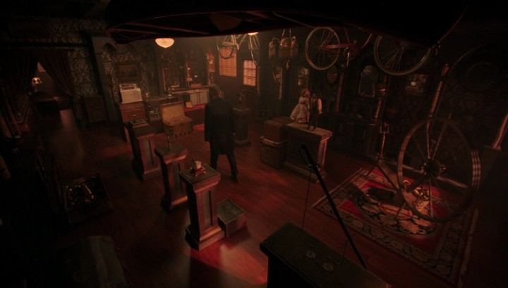 Once Upon a Time 5x12 Souls of the Departed - Mr. Gold visits his shop in the Underworld