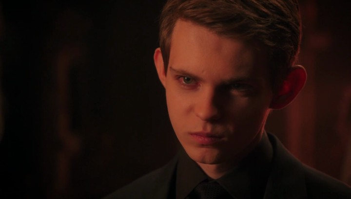 Once Upon a Time 5x12 Souls of the Departed - Peter Pan in Mr. Gold's shop