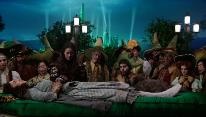 Once Upon a Time 5x18 Ruby Slippers - Dorothy under the sleeping curse in Oz