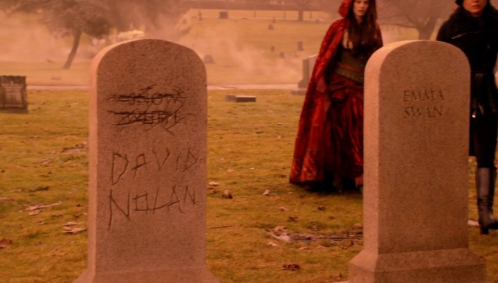 Once Upon a Time 5x18 Ruby Slippers - Snow White and David Nolan name switch on the gravestone