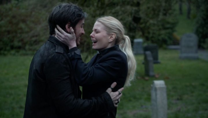 CaptainSwan reunion at Robin Hood's grave 5x21 Last Rites