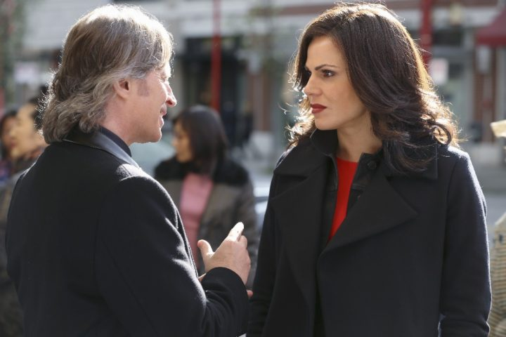 Once Upon a Time podcast 5x23 An Untold Story - Rumplestiltskin and Regina talking to each other in Chinatown in New York