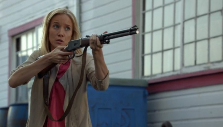 Once Upon a Time 6x03 The Other Shoe - Ashley holding shotgun
