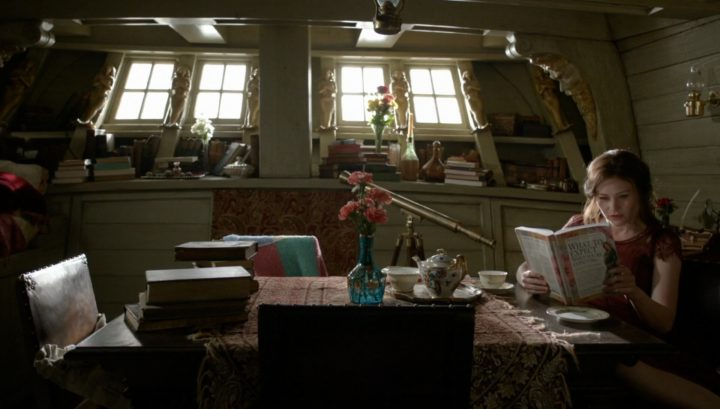 Once Upon a Time 6x03 The Other Shoe - Belle in the Jolly Roger reading