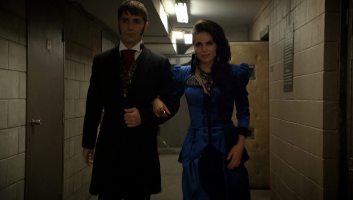 Once Upon a Time 6x03 The Other Shoe - Evil Queen breaks Hyde out of jail